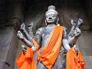 http://www.khuontour.com/fr/Temples-%20Angkor-Cambodge/Angkorwat/vat1724.jpg